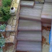Escalier en bois et soutènement en gabions, Saint Brévins